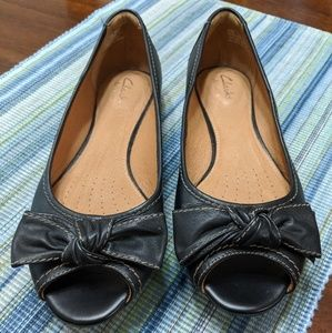 Clarks Artisian Black Peep-toe Bow Leather Flats